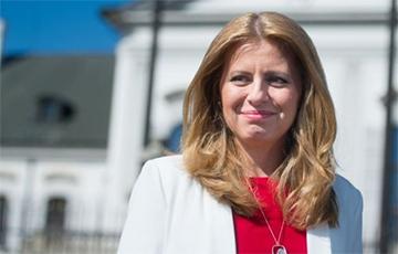 Президенту и членам правительства Словакии сделали прививки от коронавируса