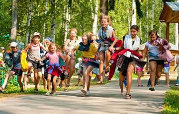 «Ребенку дешевле отдохнуть в Болгарии, чем в белорусском лагере»