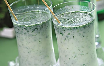 Врачи посоветовали напитки для жаркой погоды