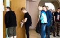 Фотафакт: Стартаваў прыём дакументаў у беларускія ВНУ