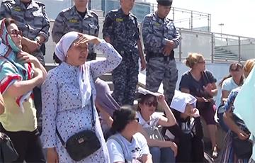 У Казахстане шматдзетныя маці выйшлі на пратэст