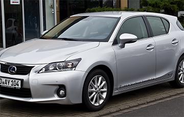 Відэафакт: Кіроўца Lexus зладзіў дрыфт на трохузроўневай развязцы ў Менску