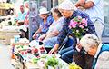 «Не от хорошей жизни эти бабушки трудятся и выходят торговать за копейки»