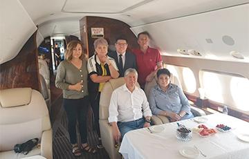 Былы прэзідэнт Кыргызстана паляцеў у Маскву з расейскай авіябазы