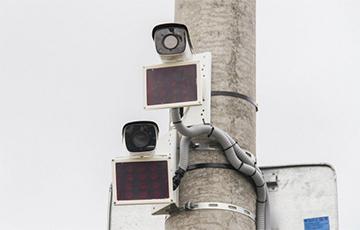 У Гародні з'явіліся камеры, якія фіксуюць праезд транспарту на чырвонае святло