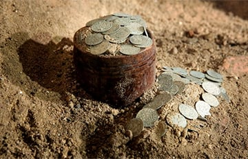 В польской церкви нашли клад из тысячи монет