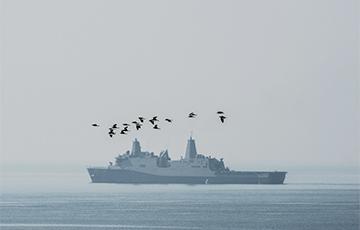 Китай не пустил военные корабли США в порт Гонконга