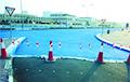 В столице Катара начали красить дороги в голубой цвет