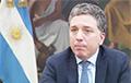 Министр финансов Аргентины подал в отставку из-за обвала курса песо