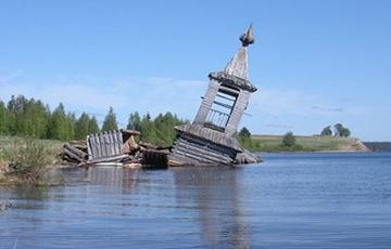 «Вода в реке отравлена»: в больницу Северодвинска поступил пациент с тяжелой интоксикацией