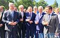 Пять украинских президентов впервые сфотографировались вместе