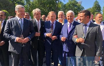 О чем говорит фото пяти украинских президентов