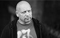 Умер белорусский художник и дизайнер Олег Устинович