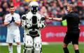 ФИФА планирует заменить лайнсменов на роботов