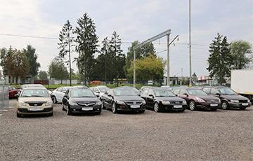 Водители в ожидании: что происходит с рынком подержанных авто в Беларуси?