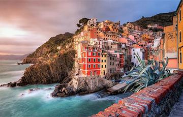 Шесть живописных городов, построенных на скалах