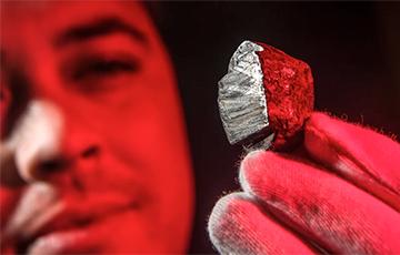 Геолагі знайшлі на Зямлі мінерал з нетраў іншай планеты
