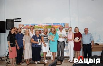 Фотафакт: Унучкі Якуба Коласа прынялі ўдзел у Коласаўскіх чытаннях