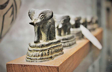 В Денисовой пещере найдено древнейшее изображение животного