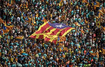 Сотні тысячаў людзей выйшлі на мітынг за незалежнасць Каталоніі
