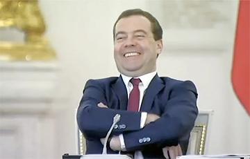 Медведев объявил мировую экономику помехой для роста ВВП России