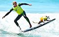 Видеофакт: В США состоялся фестиваль собак-серфингистов