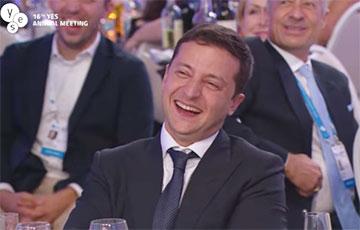 Видеофакт: Зеленский смеется над шуткой про Лукашенко