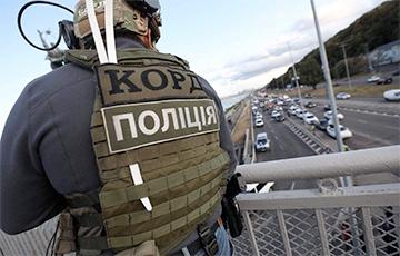 У Кіеве ўраджэнец Крыма пагражае падарваць мост