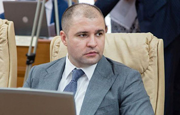 В Молдове лишили неприкосновенности cоратника беглого олигарха Плахотнюка