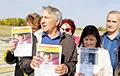 Россияне перекрыли трассу, требуя отставки губернатора Красноярского края