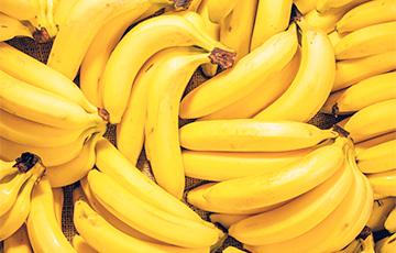 Диетологи объяснили, кому необходимо регулярно есть бананы