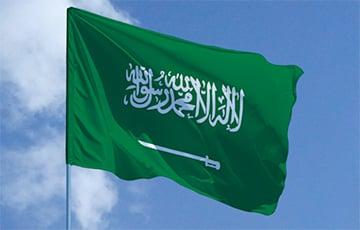 Саудовская Аравия первая в мире закрыла границы из-за мутировавшего коронавируса