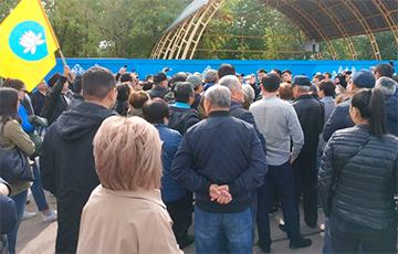 В Элисте на митинг против мэра из «ДНР» вышли тысячи человек