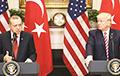 Трамп позвонил Эрдогану и потребовал немедленно прекратить огонь в Сирии