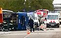 На территории Мозырского НПЗ столкнулись грузовик и автобус