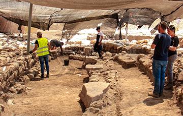 Ученые нашли в Израиле огромное поселение возрастом более 5 тысяч лет
