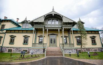 Дзіўная справа: улады ваююць з чалавекам, які стварыў музей у Лошыцы