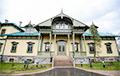 Удивительное дело: власти воюют с человеком, который создал музей в Лошице