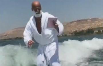 Видеохит: Трюкач научился совмещать бритье и серфинг