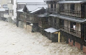 На Японію абрынуўся супертайфун «Хагібіс»
