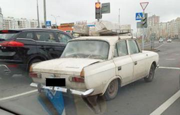 «Занизил тачку»: загруженный блоками от и до «москвич» сфотографировали в Минске