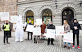 Белорусы Швеции провели пикет против названия «Белороссия»