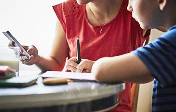 Маленький гений: британский мальчик заставил Amazon выполнять домашнее задание
