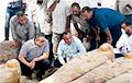 Археологи раскопали огромный тайник с саркофагами в Египте
