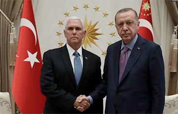 Вице-президент США встретился с Эрдоганом