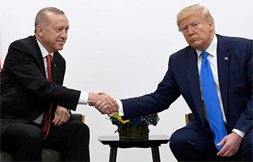 Трамп пагаварыў з Эрдаганам пасля звестак пра зрыў замірэння ў Сірыі