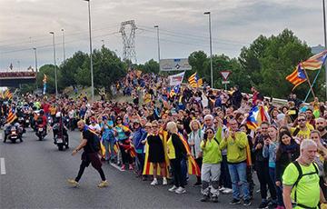 Мадрид отказался от переговоров с лидерами Каталонии
