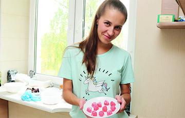 Як хімік з Баранавічаў занялася кандытарскай справай і пачала гатаваць карысныя цукеркі