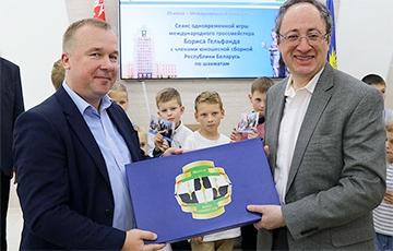 Экс-міністр спорту, якога Лукашэнка звольніў за карупцыю, уладкаваўся ў Федэрацыю шахмат