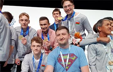Три студента и два школьника из Беларуси стали чемпионами мира по программированию